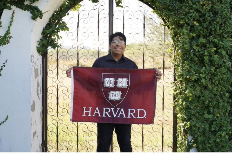 Congratulations to Moises Ayala, Harvard Class of 2025! Featured Photo
