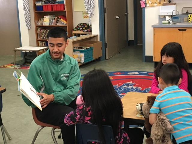 Highland ASB Reads to Eissler Elementary Students