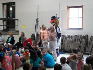 Tomcat visits during EOG pep rally.