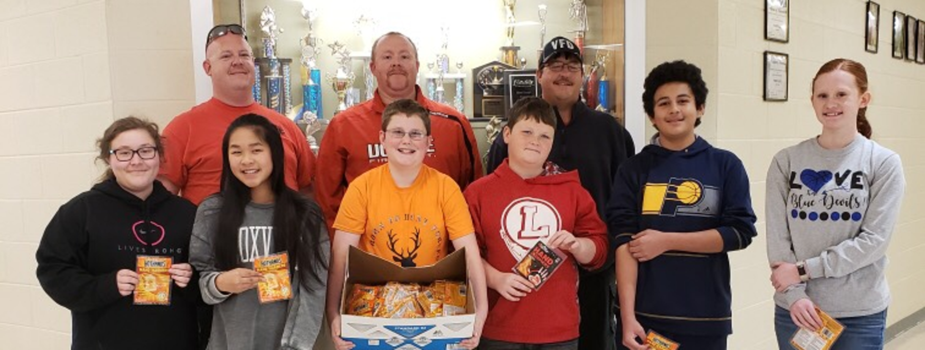 Beta Club provides hot hands for Vonore Fire Department