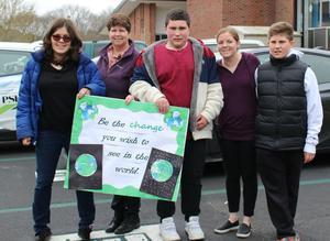 Students and teachers at DDI