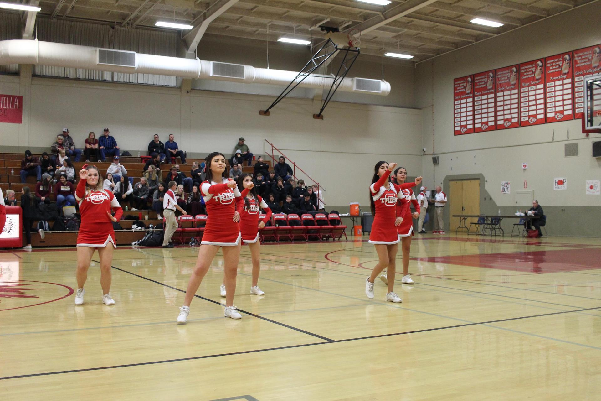 cheerleaders preforming
