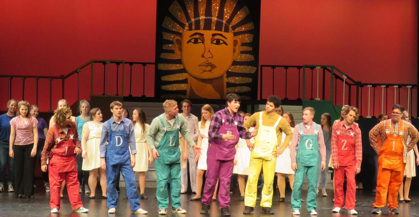 TKHS students perform