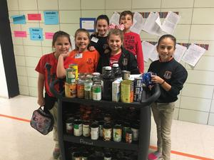 Student Council food drive 3.JPG