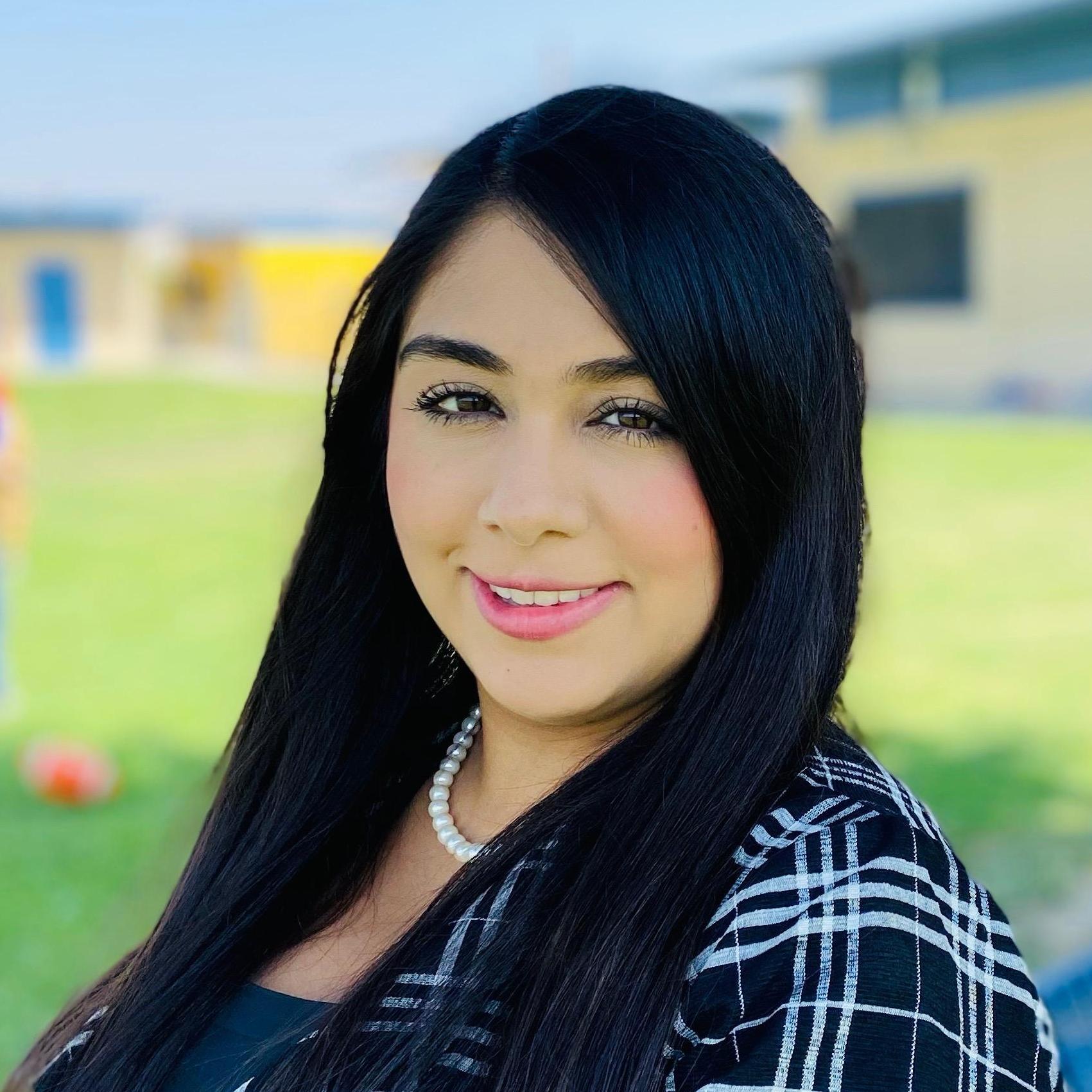Estefanie Torres's Profile Photo