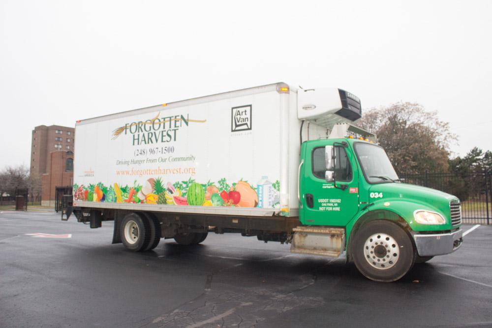 food truck arriving