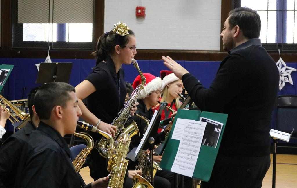 Photo of Edison Jazz Band performing at McKinley.
