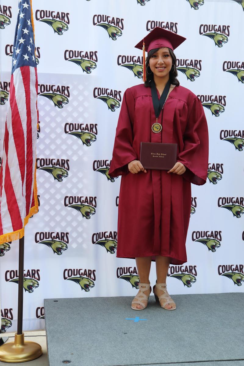 pic of graduation senior