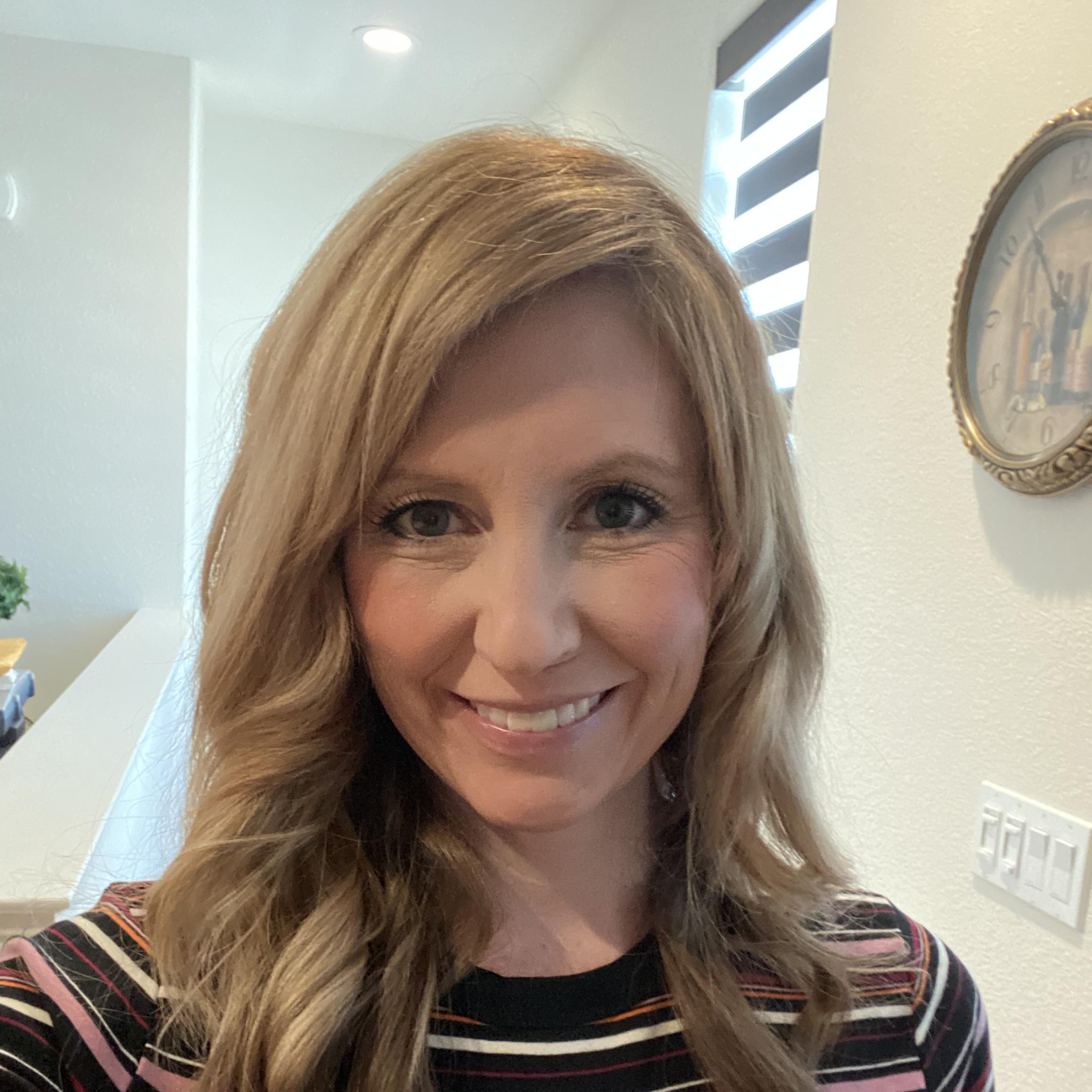 Kelly Loomis's Profile Photo