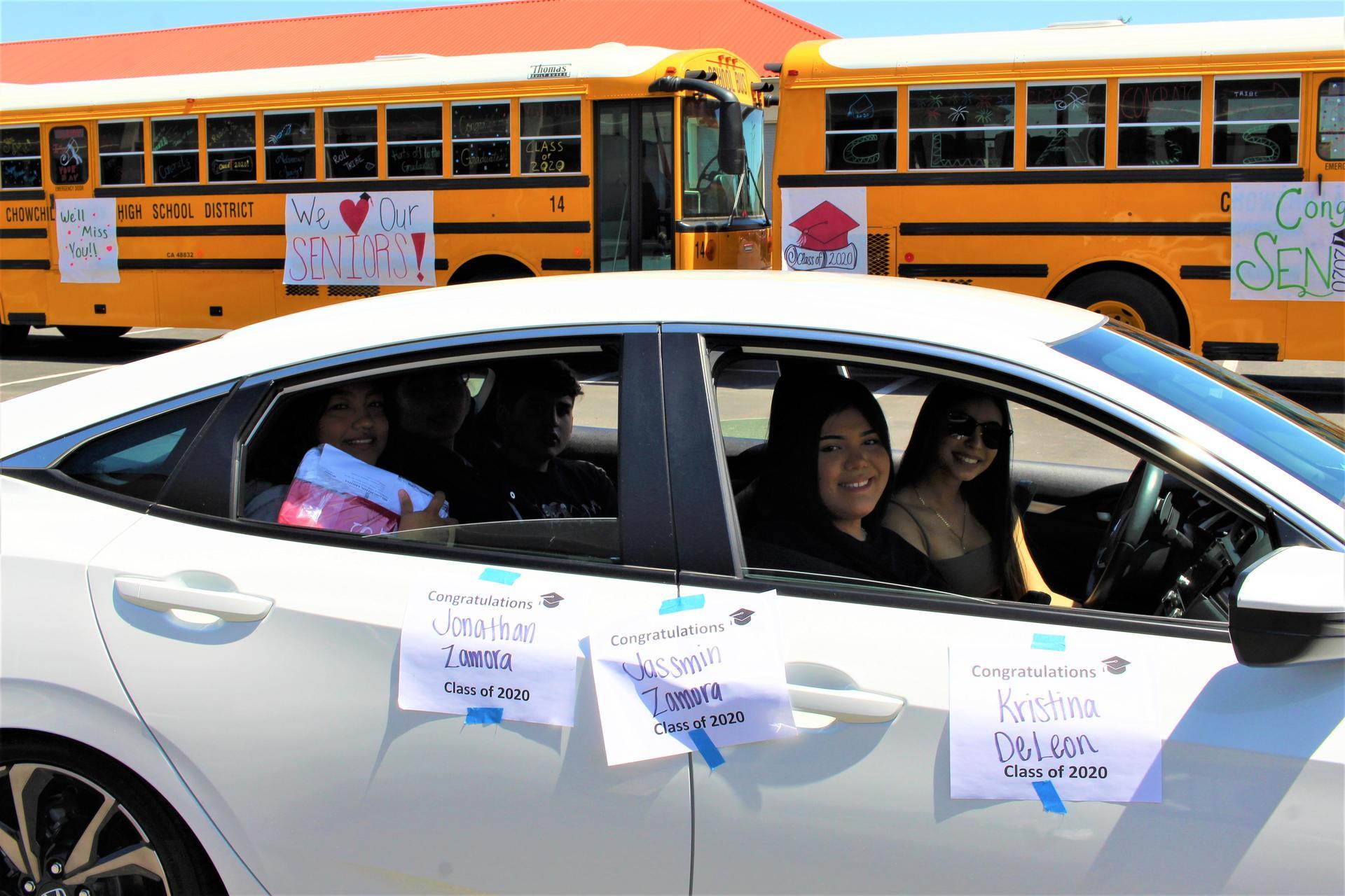 Kristina DeLeon, Jassmin Zamora, Jonathon Zamora, and Selina Silva riding with Dayana Torres driving