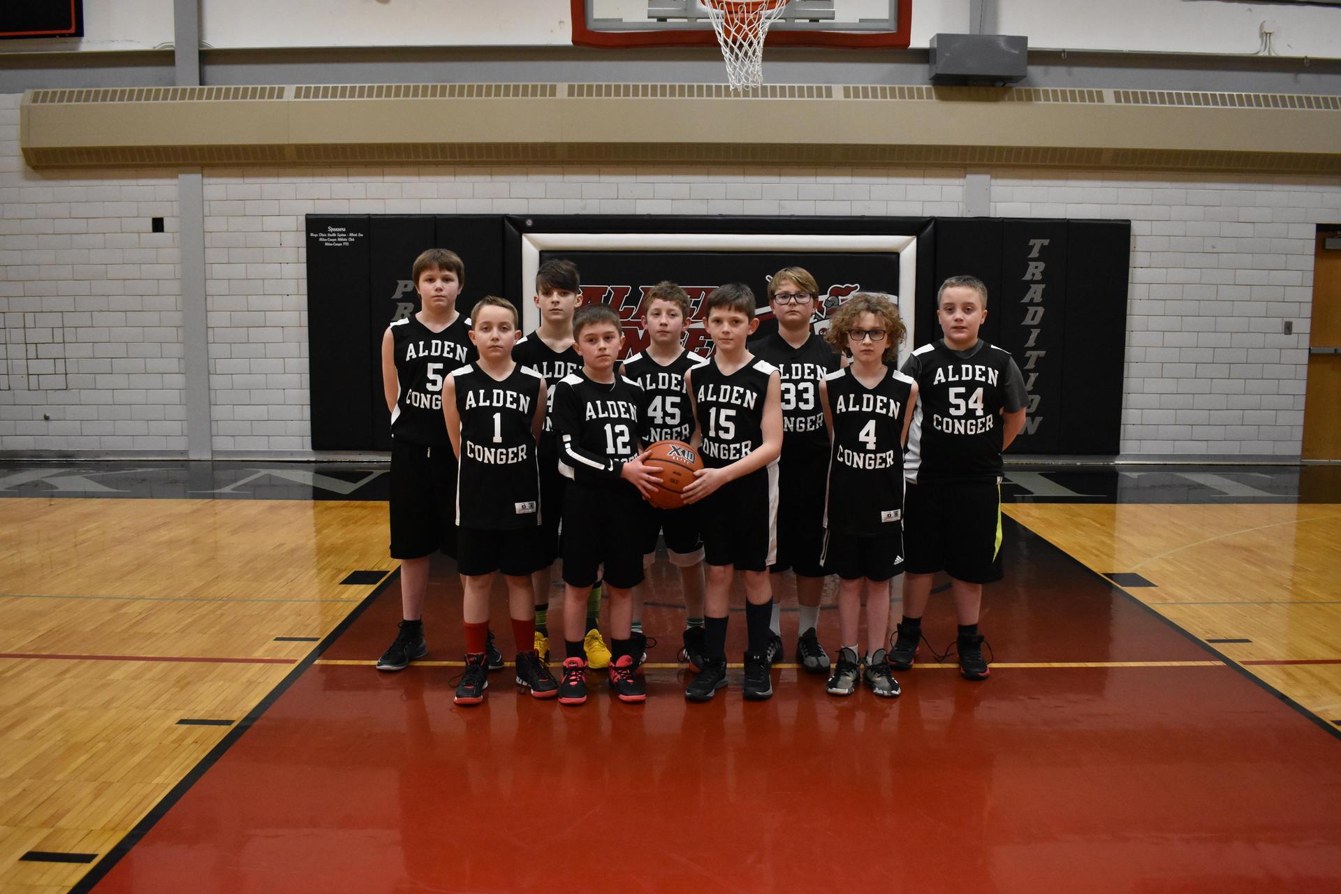 4th Grade Boys Basketball Team Photo