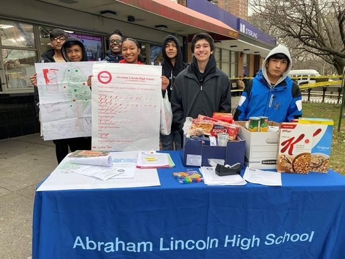 Lincoln Students at Work for the Good of our Community! Featured Photo