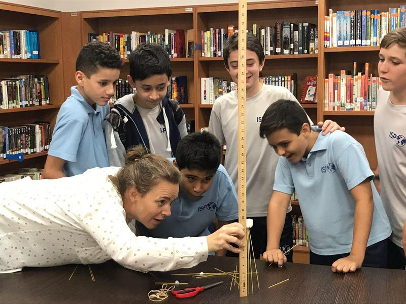Middle School Advisories Build Teamwork and Problem Solving Skills Featured Photo