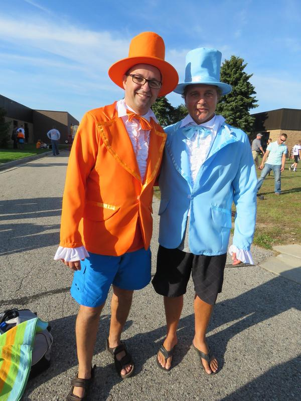 Page Principal Mike Gelmi and McFall Principal Jon Washburn dress up for homecoming.