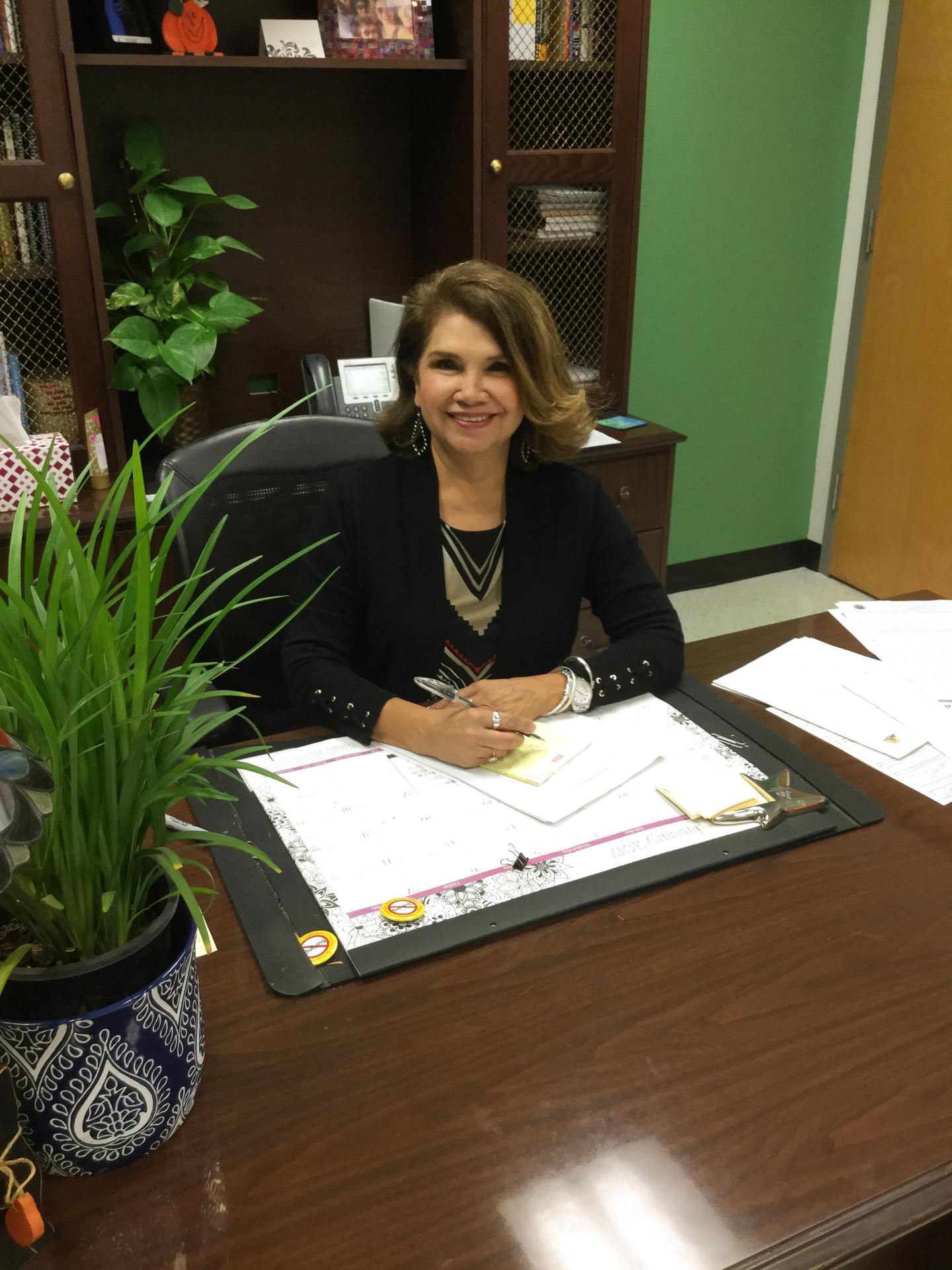 image of principal Eva Sandoval