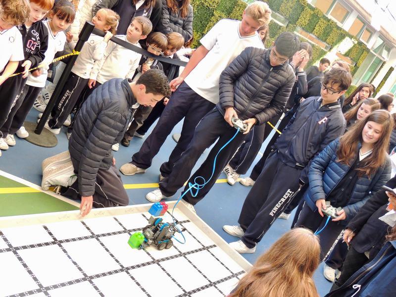 Feria de Robótica Pinecrest Thumbnail Image