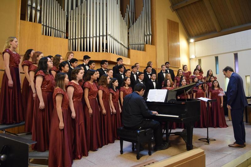 Choral Students Give Gift of Music at Festival Featured Photo