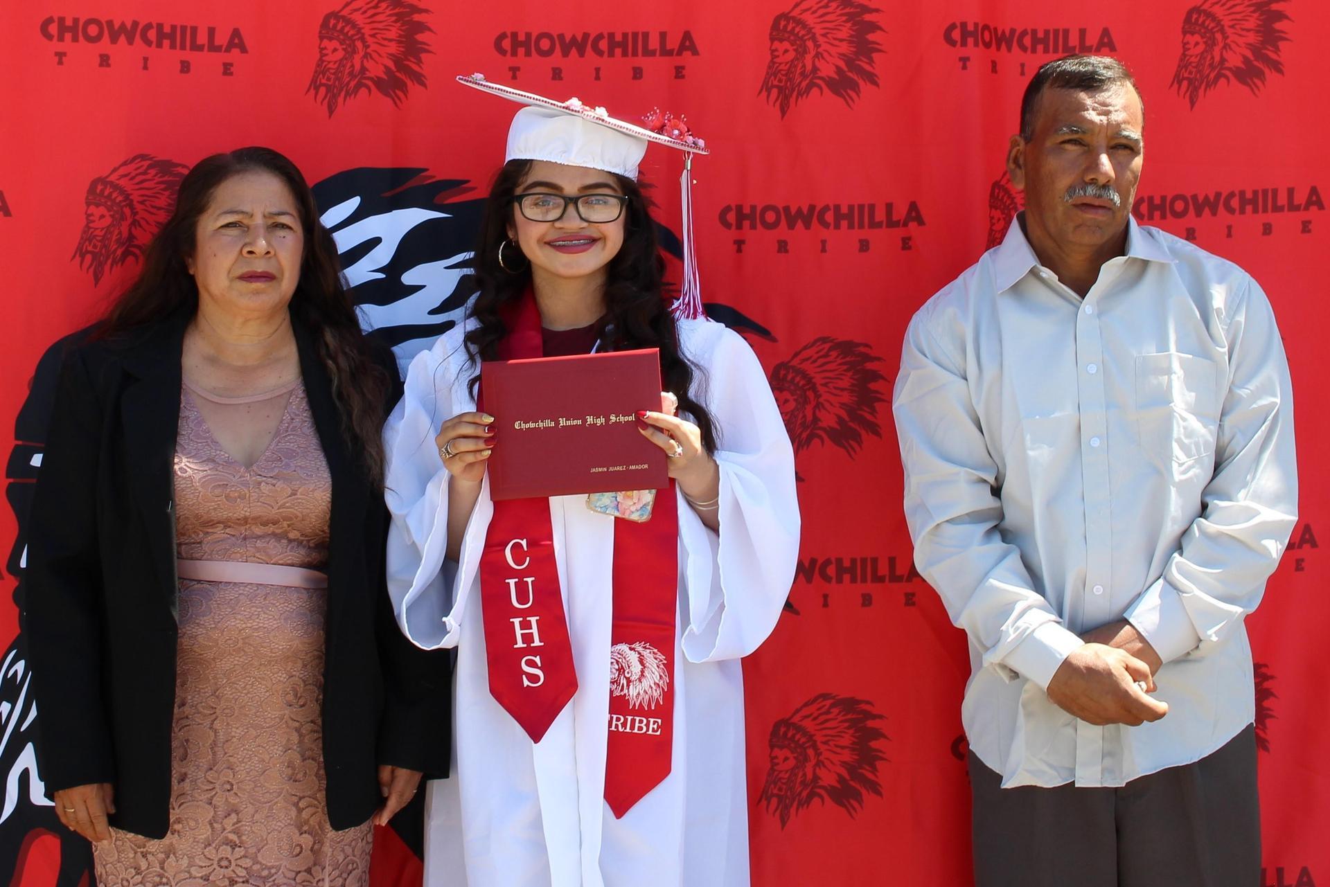Jasmin Juarez and family