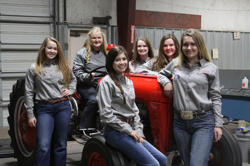 KHS Tractor Restoration Team Heads to First Competition Thumbnail Image