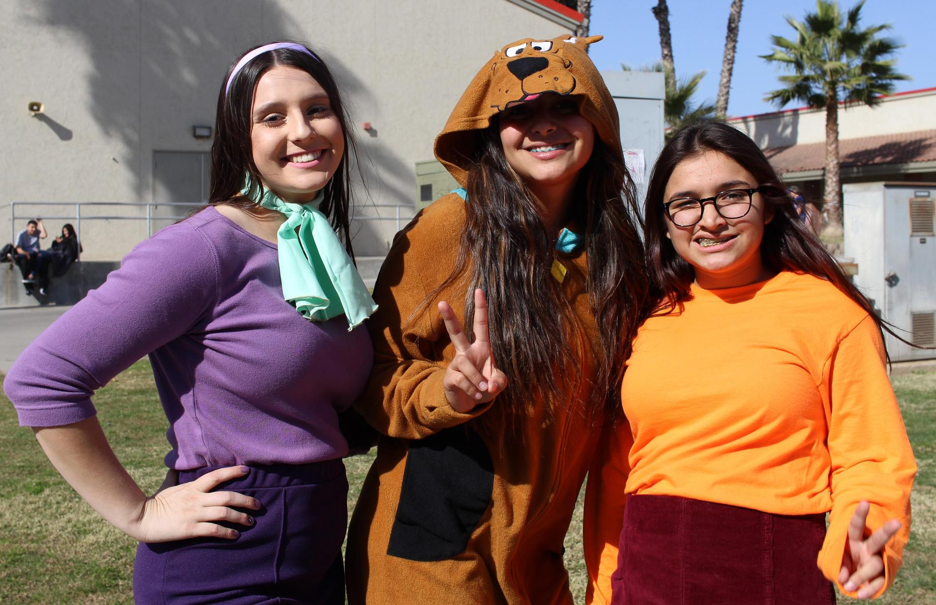Mina Schwenck, Kim Benavides and Grace Sheppard as Scooby doo crew