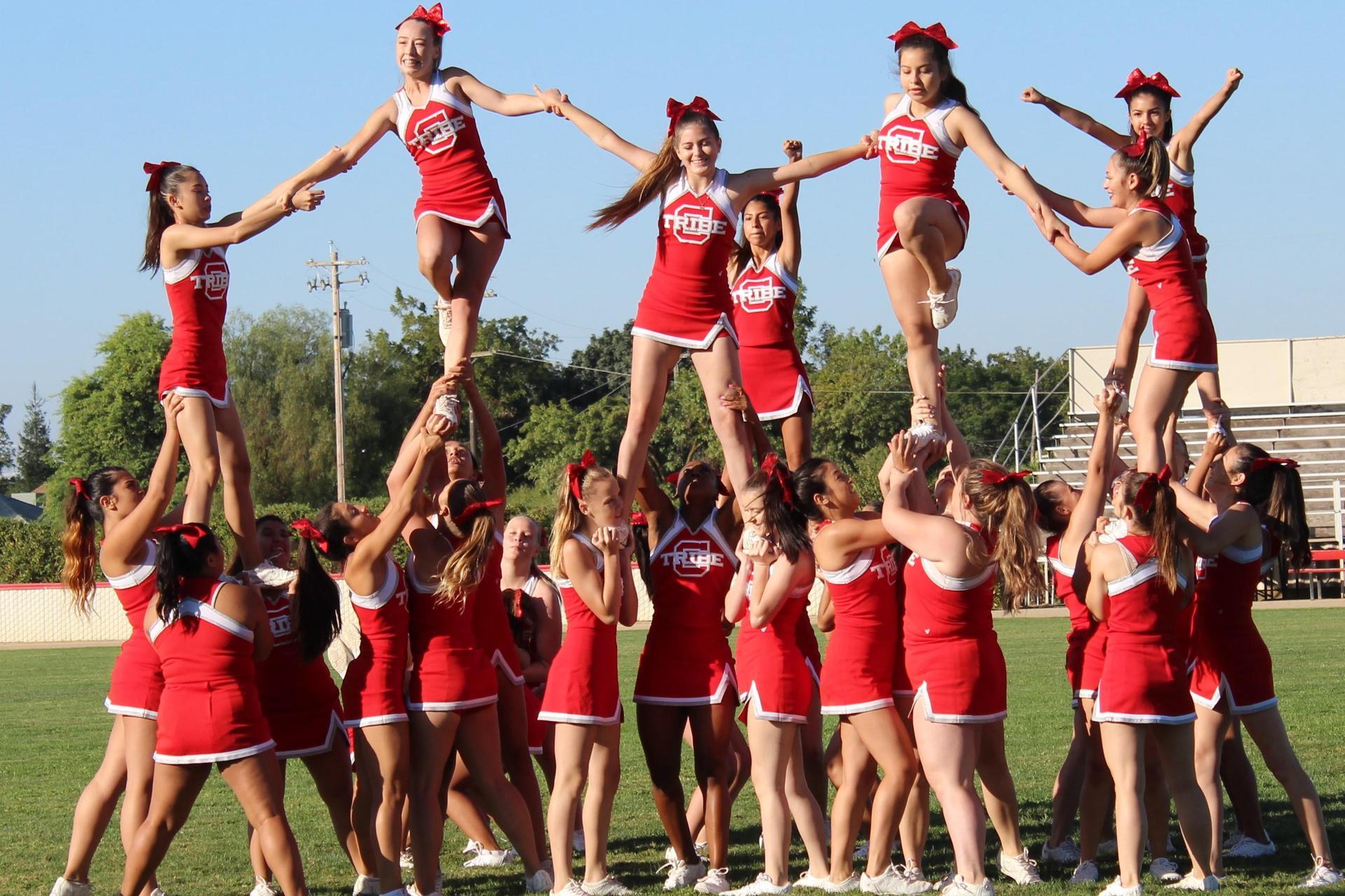 cheerleaders performing a routine