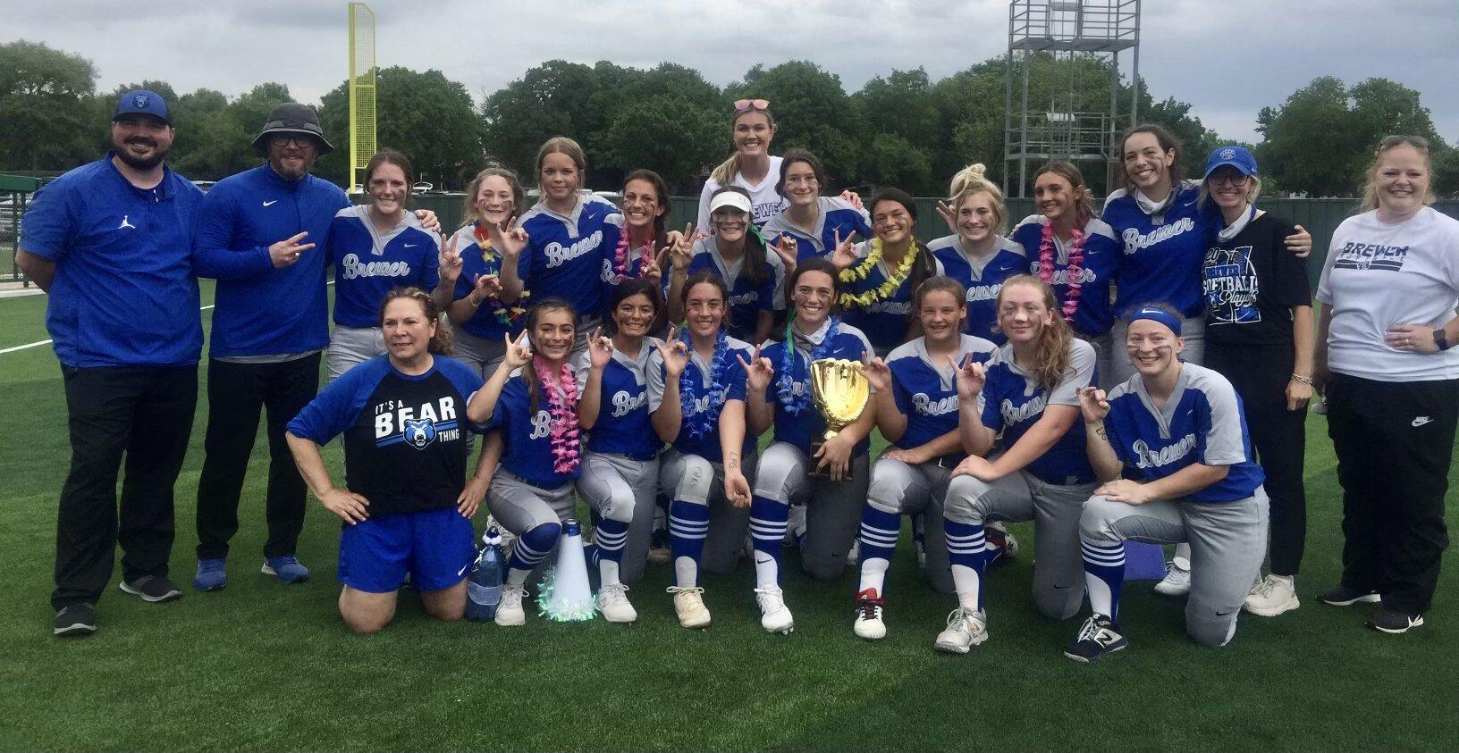 The Brewer Lady Bears softball team won the Bi-District Championship with a win 2-1 win over Richland.