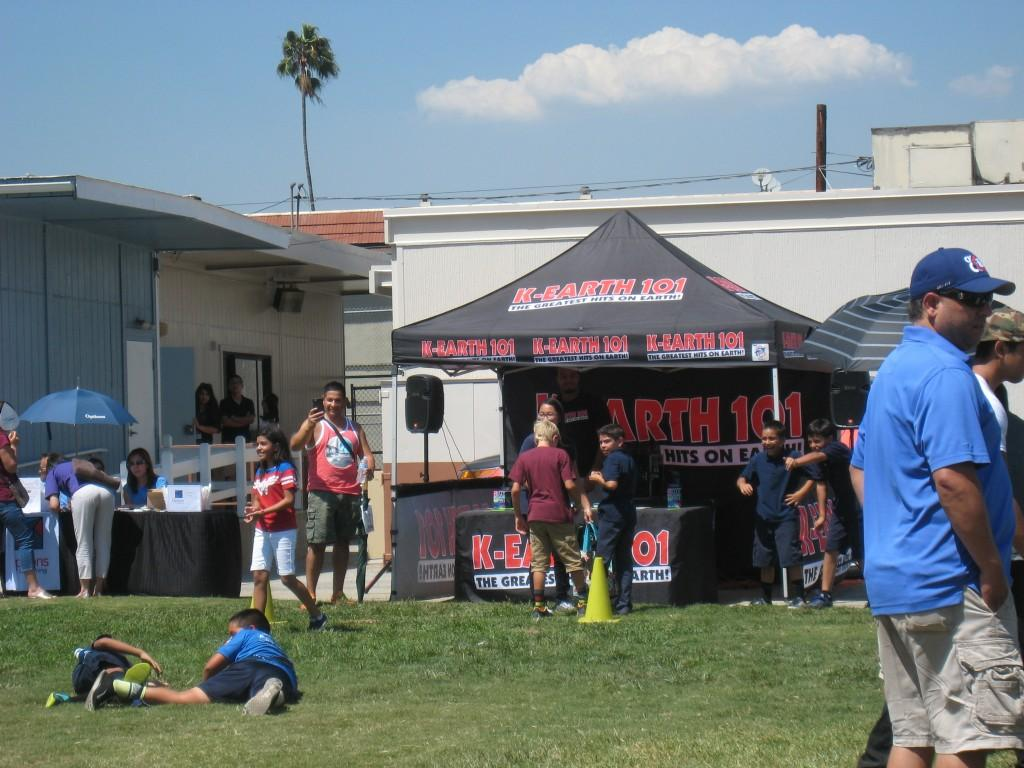 K-Earth 101 booth during the Community Building Picnic