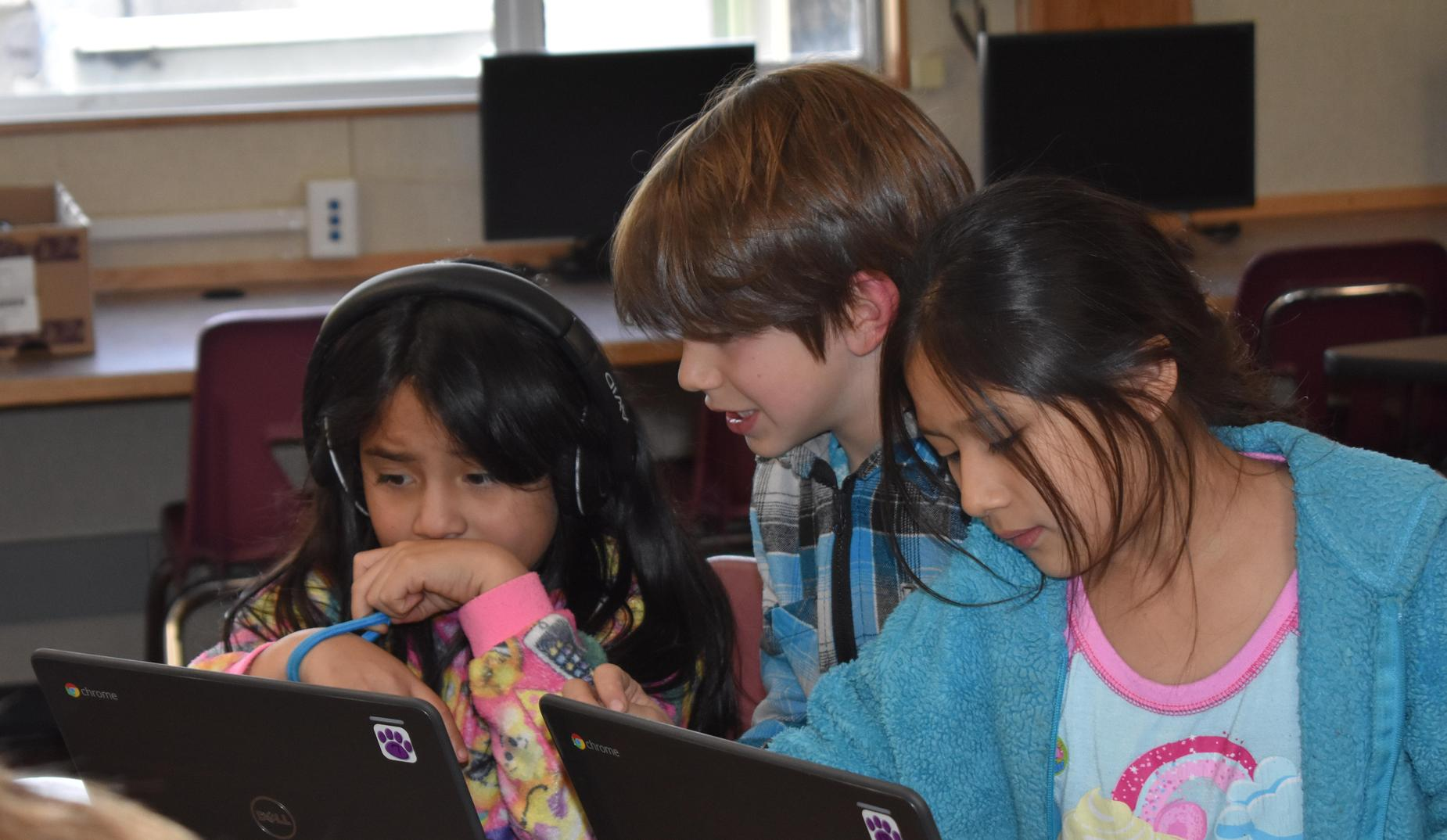 Collaborating during Hour of Code