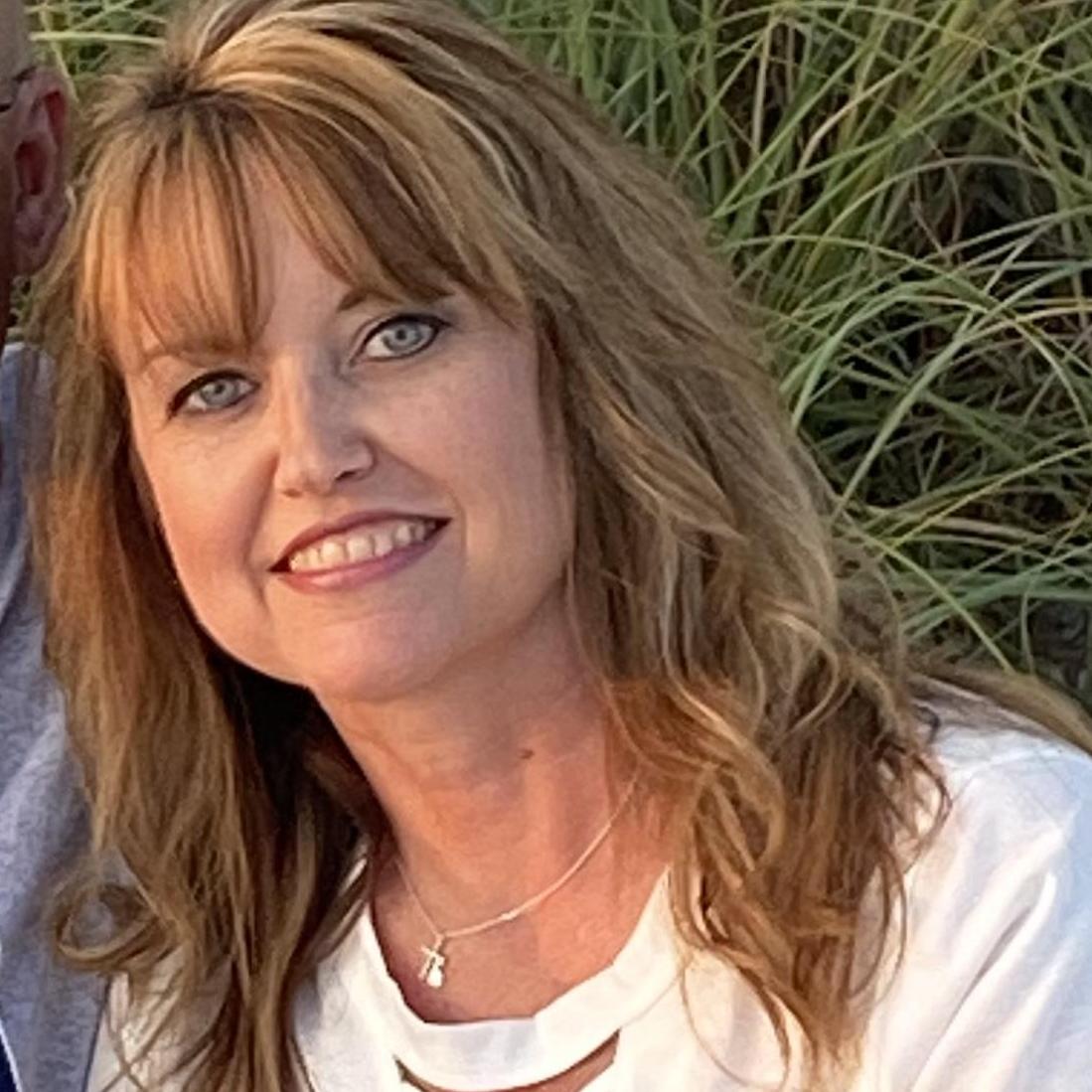 Laurie Barton's Profile Photo