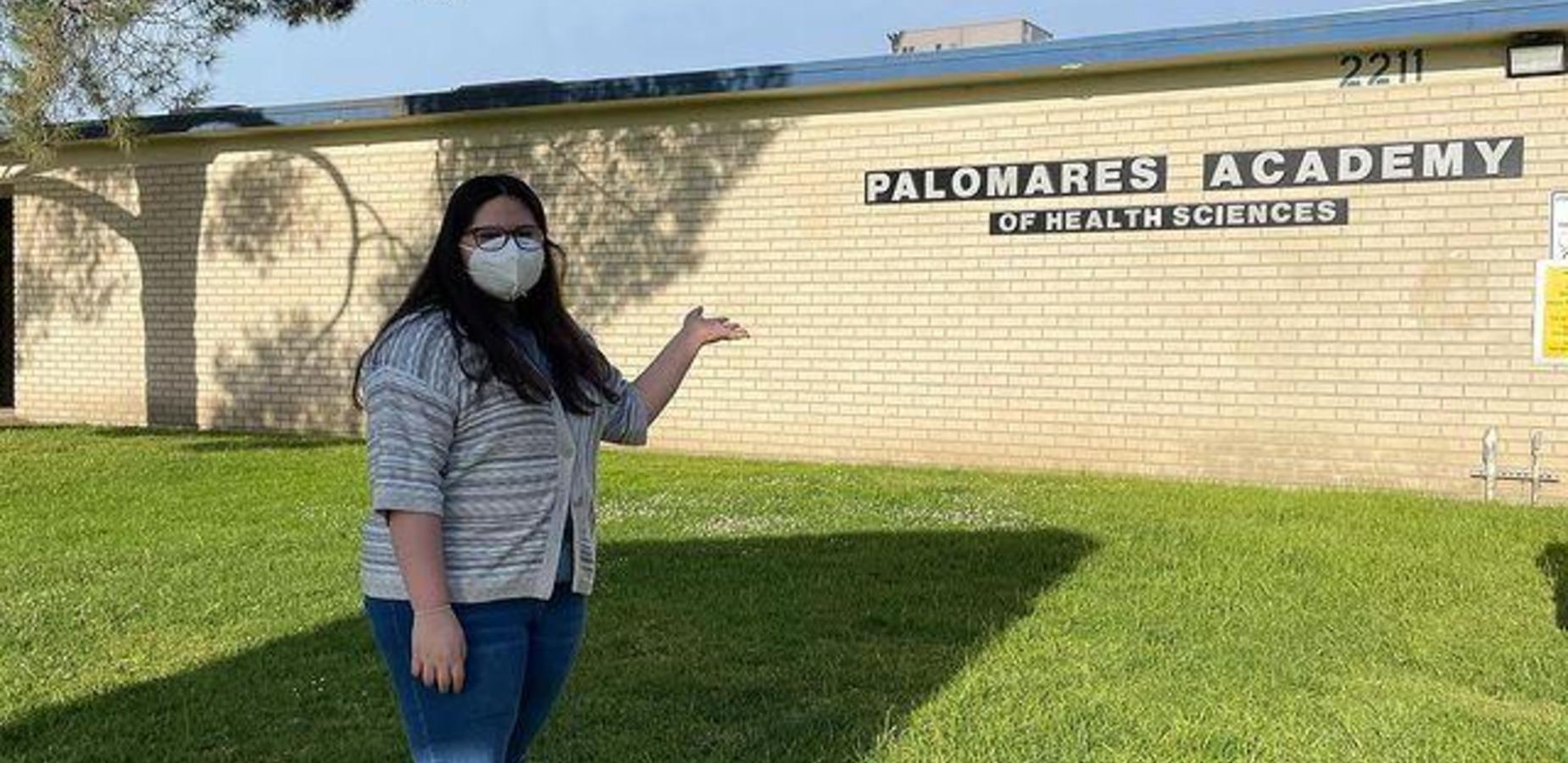 We are #proud along with Principal, Dr. Ramos-Beal of our Palomares Academy Scholars! Students volunteered their time to support the East Valley Community Center during the most recent vaccine drive!  #Proud2bepusd @ktlaweekendam @nafcareeracads #befutureready #gopanthersgo