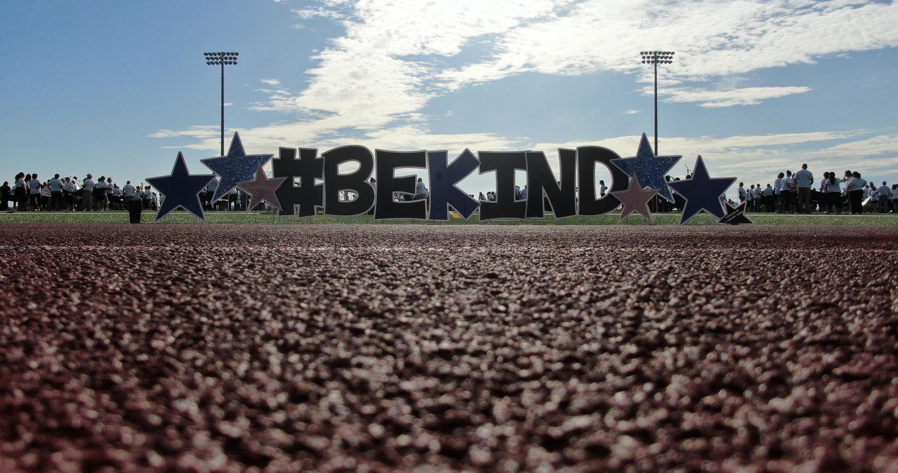 bekind sign