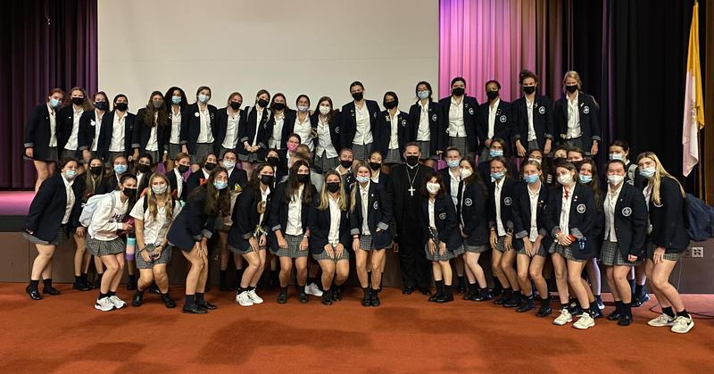 53 Seniors Train to be Extraordinary Ministers of Holy Communion Featured Photo