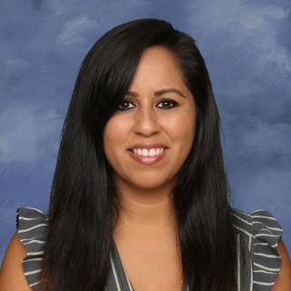 Alexandra Olivares's Profile Photo