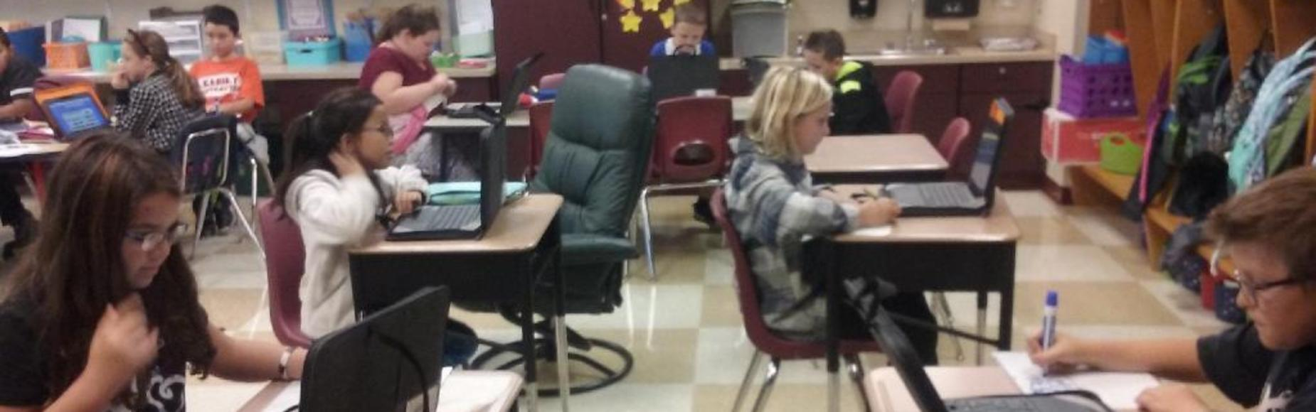 Students on computers picture