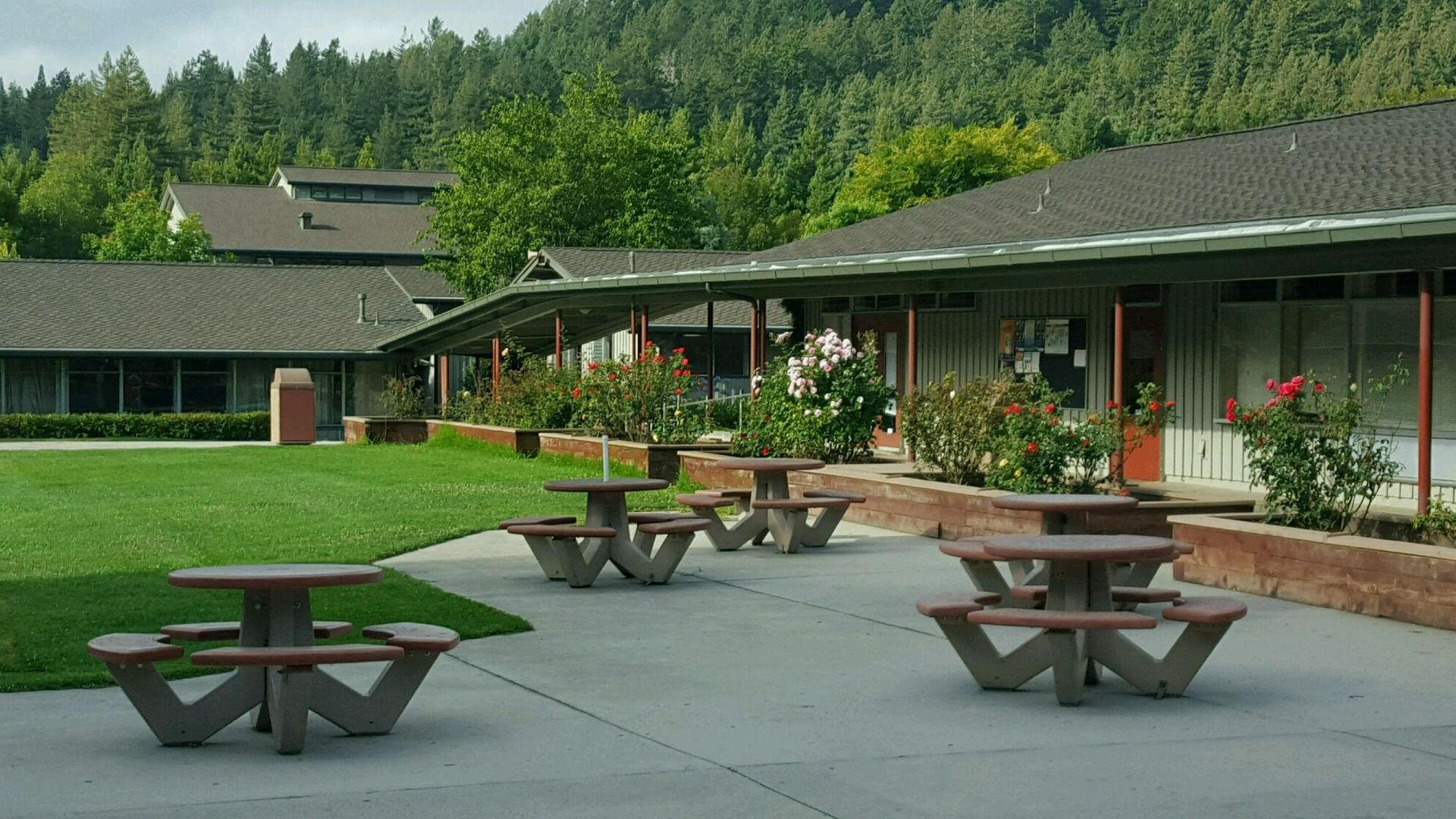 Picture of SLVHS quad area
