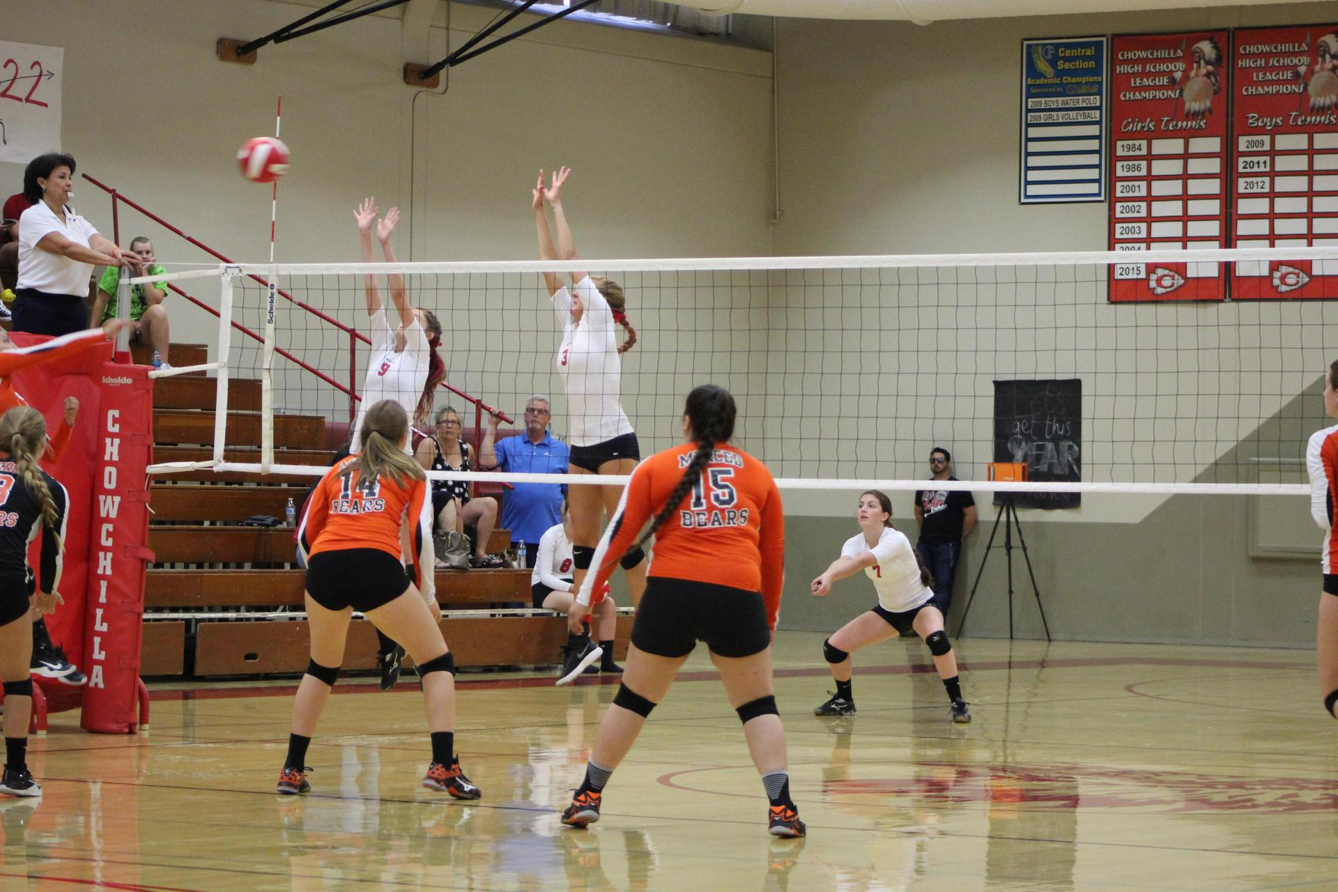Pictures of Girl's Volleyball vs Merced