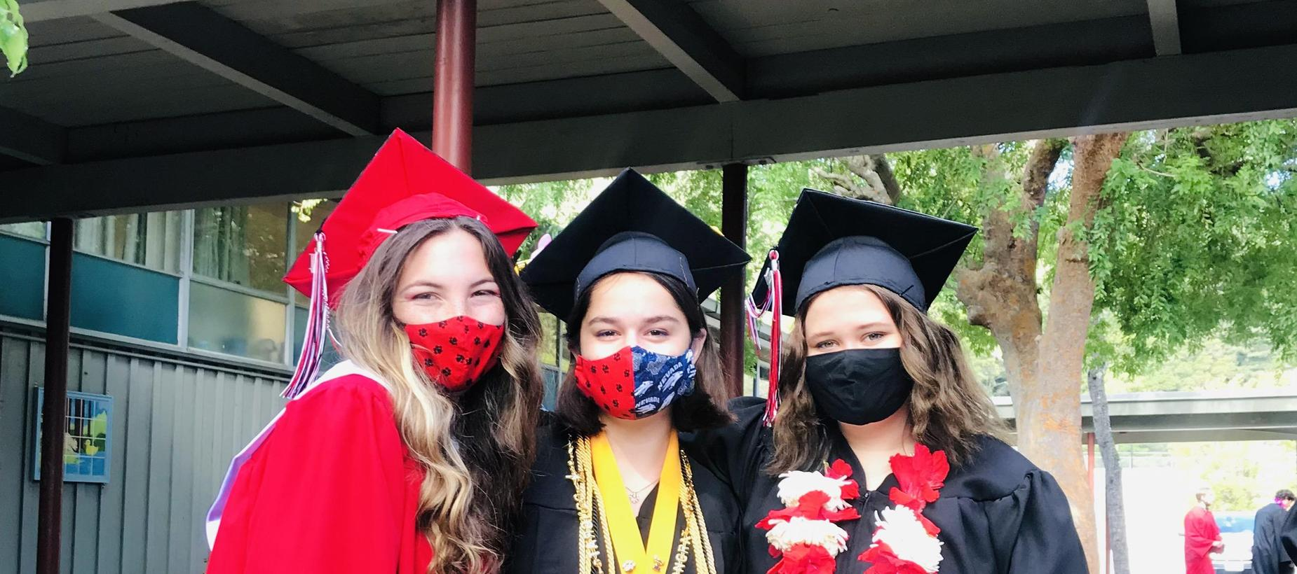 2021 Graduates - 3 girls