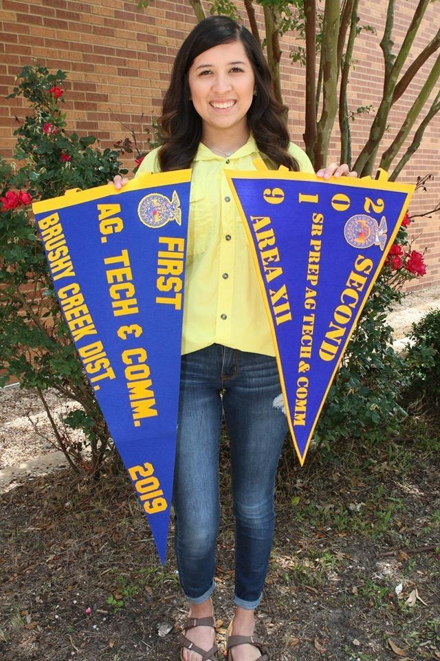 Sierra Velasquez places 1st in District SDE Competition and Advances to Area where she places 2nd. Her speech was over Social Media in Ag.