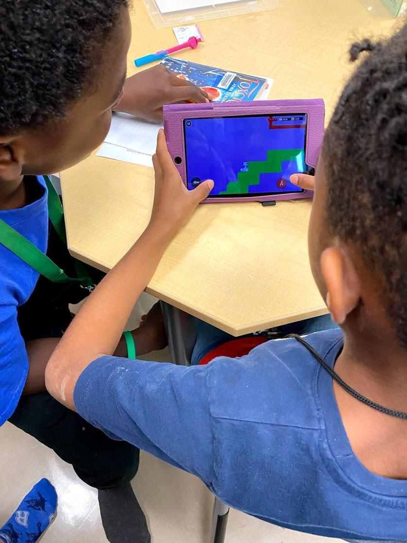 Bloxels video game creation