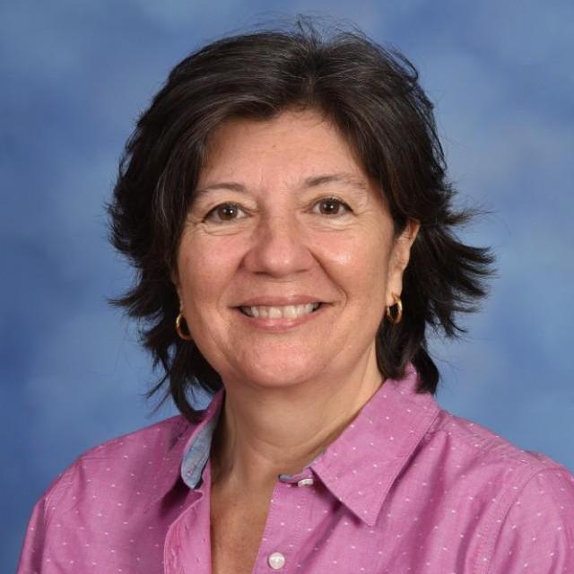 Elizabeth Moreira's Profile Photo