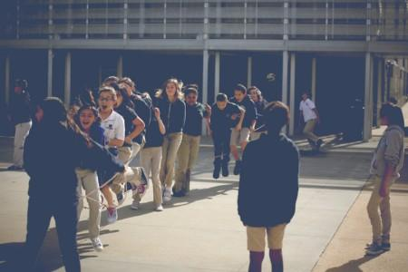 Students playing jumprope.