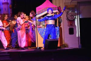 Genie sings during Aladdin
