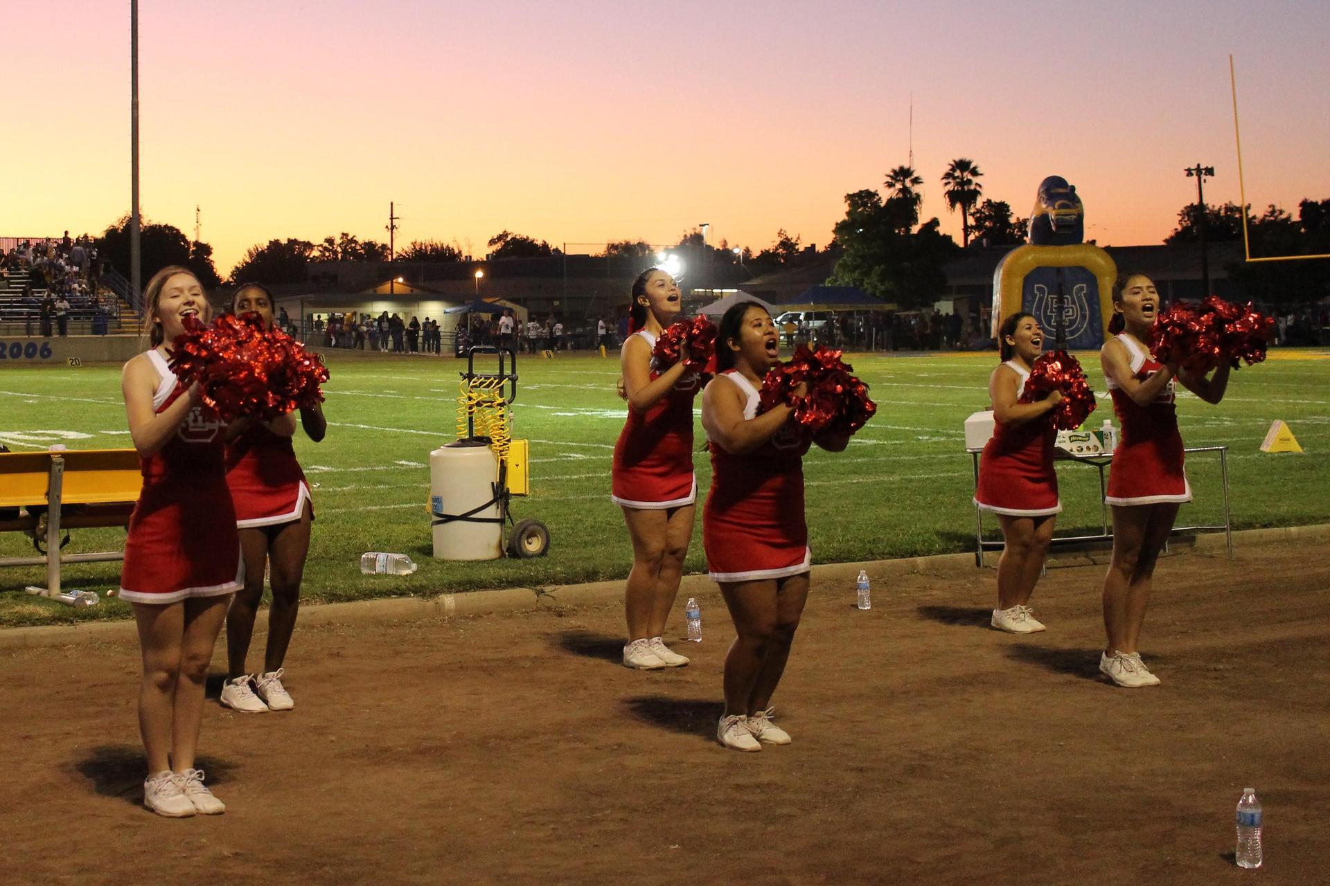 Varsity Cheer at Dos Palos