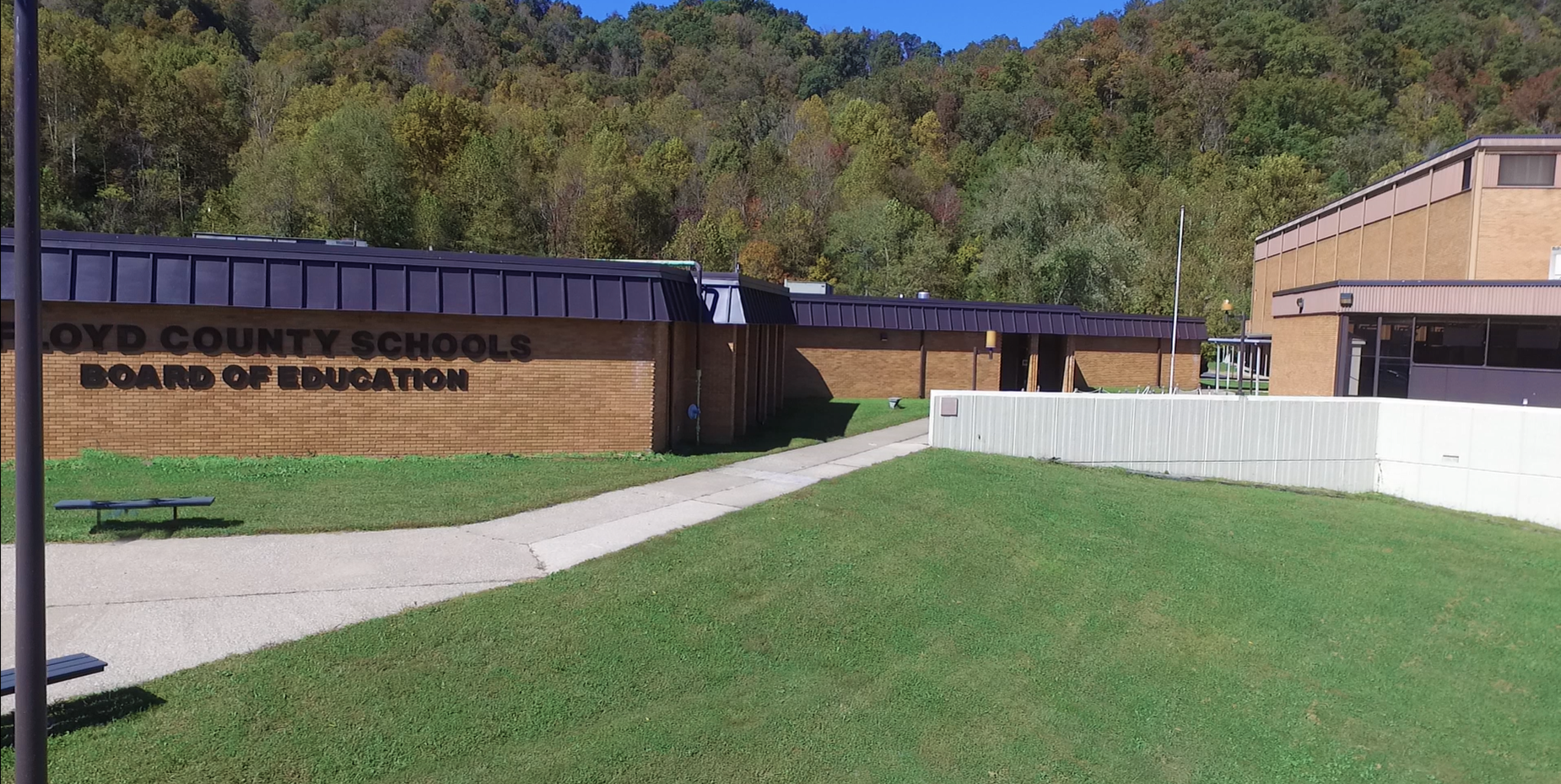 Floyd County Board of education building photo.