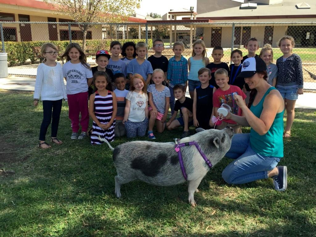 Students With Bubbles the pig.