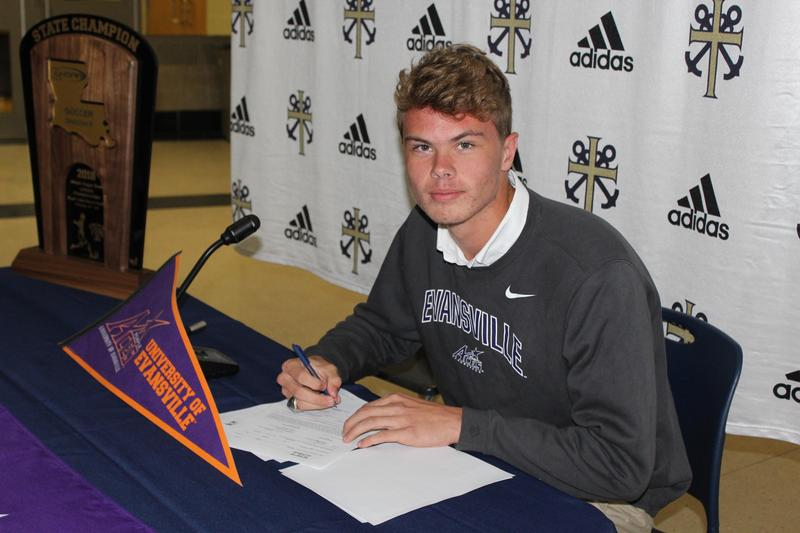Ethan Garvey Signs with Evansville Soccer Featured Photo