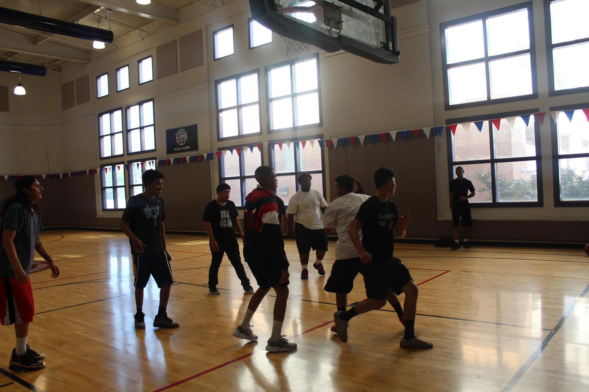 Hollywood students playing basketball