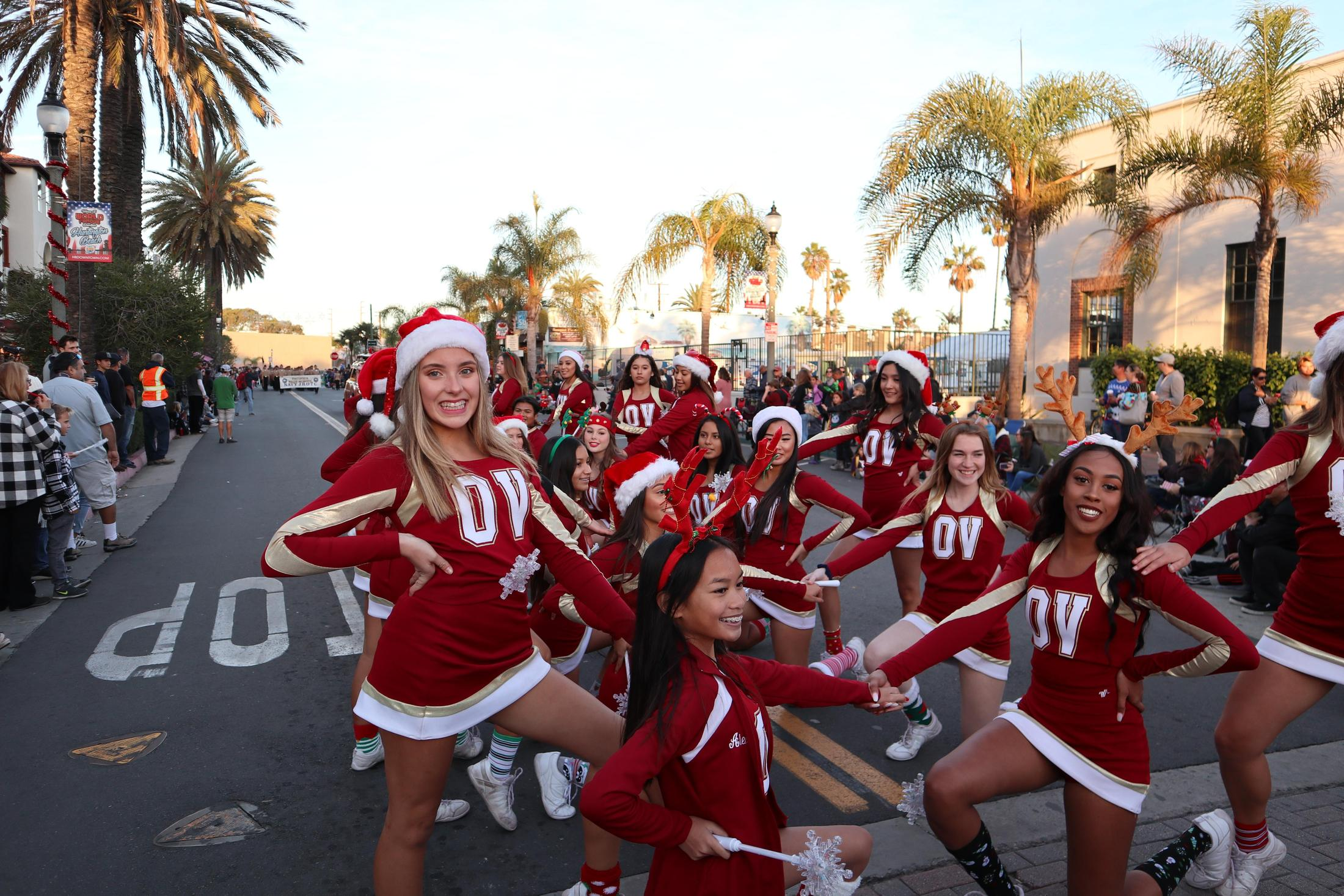 HB Holiday Parade: During Performance