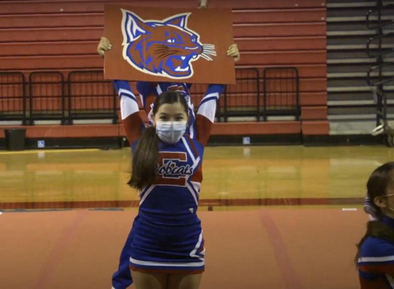 ehs cheerleaders performing
