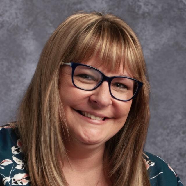 Karen White's Profile Photo